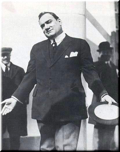 Caruso mit Hut