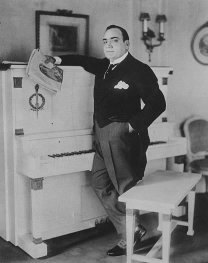 Enrico Caruso am Klavier
